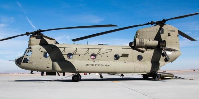 Vào năm 1982, Lục quân Mỹ đã nâng cấp tất cả trực thăng Chinook thành phiên bản CH-47D với động cơ mạnh hơn, cho phép chở theo khối lượng nặng tới 9 tấn.