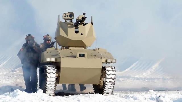 Mặc dù không phải là robot tăng đầu tiên và khả năng hoạt động độc lập của Soratnik vẫn chưa được công bố chính thức, song đây vẫn được xem là vũ khí thông minh uy lực của quân đội Nga hiện nay. (Ảnh: Dailymail)