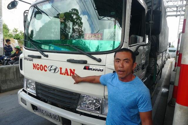 Chủ doanh nghiệp Ngọc Lan đề nghị được miễn giảm thêm cho 20 chiếc xe của anh theo những người dân sống ở phường Ba Láng, vì anh có hợp đồng vận tải với các DN ở KCN Tân Phú Thạnh.