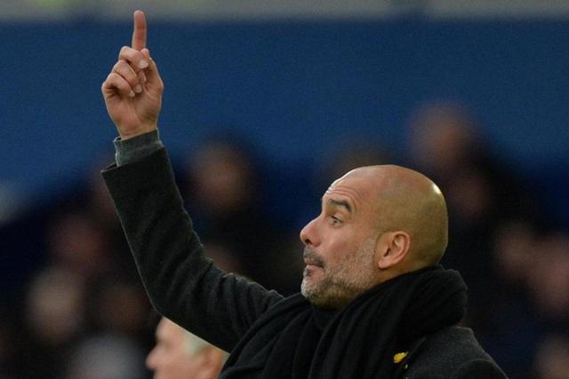 Guardiola bắt đầu nở nụ cười khi Man City chơi tấn công rất dễ dàng