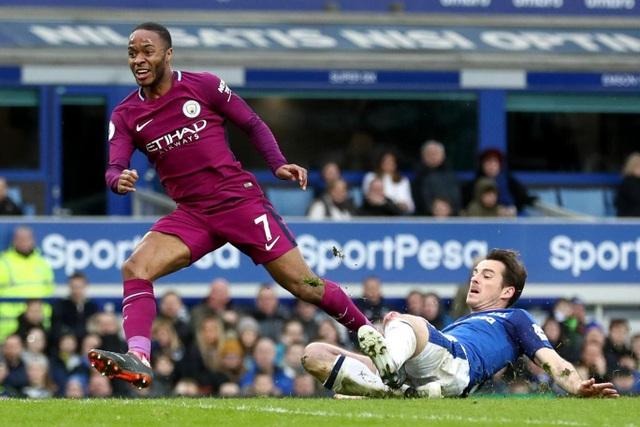 Tới phút 38, tỉ số được nâng lên thành 3-0, bàn thắng cho Man City do công của Sterling