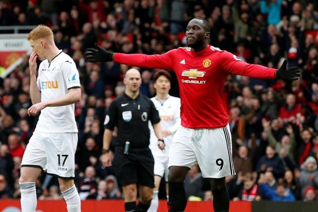 Niềm vui của Lukaku khi anh cán mốc 100 bàn thắng ở Premier League