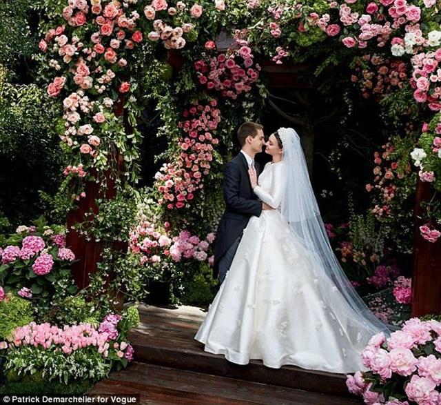 Miranda Kerr hạnh phúc bên chồng tỷ phú trẻ tuổi sau khi ly hôn tài tử Orlando Bloom