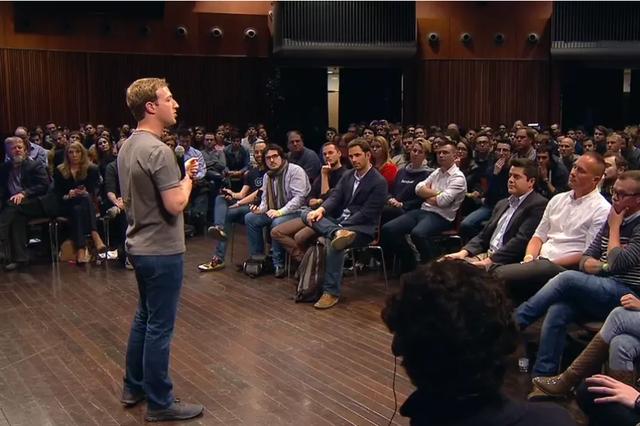 Mark Zuckerberg đối mặt nhiều chỉ trích từ dư luận.