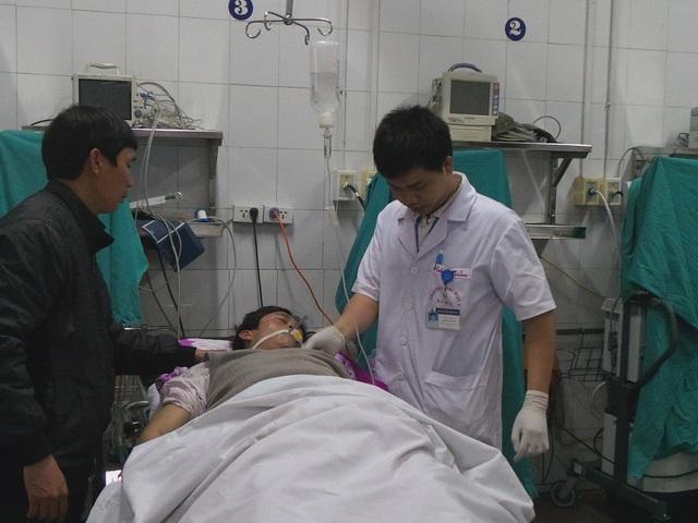 40 dịch vụ y tế sẽ được điều chỉnh giá tăng hoặc giảm, giữ nguyên trong tháng 5 tới. Ảnh minh họa: Cấp cứu bệnh nhân TNGT tại BV Việt Đức. Ảnh: H.Hải