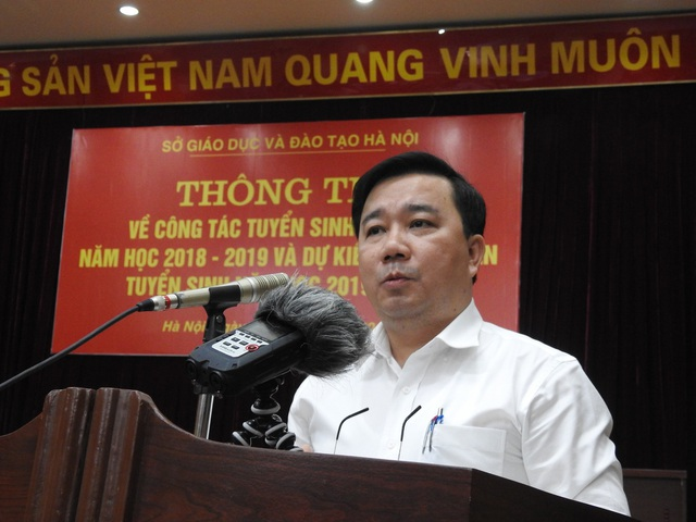 Giám đốc Sở GD&ĐT Hà Nội Chử Xuân Dũng tại họp báo