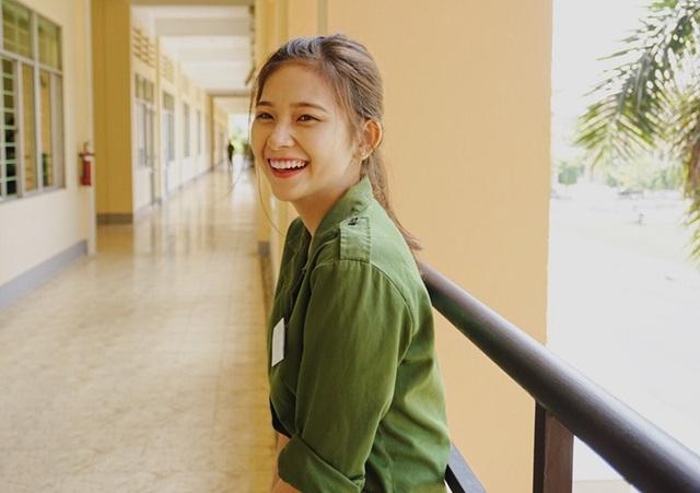 Bức ảnh nữ sinh xinh đẹp đi học quân sự khiến bao chàng say đắm - 7
