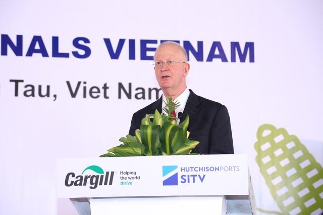 Ông Alan Willits, Giám đốc vùng châu Á – Thái Bình Dương của ngành Cung ứng Nông sản Cargill phát biểu trong buổi lễ khánh thành