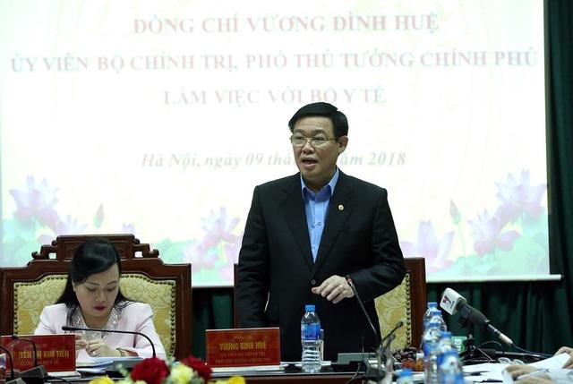 Phó Thủ tướng Vương Đình Huệ chỉ đạo tại buổi làm việc với Bộ Y tế. Ảnh: T.D