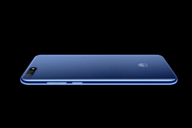 """Huawei Y7 Pro: Thiết kế """"bật lên"""" trong tầm giá dưới 4 triệu đồng - 1"""