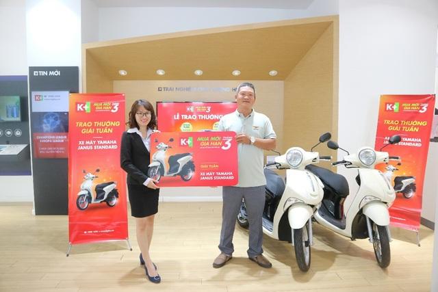 Anh Lưu Việt Hoàng (Đăk Nông) và anh Nguyễn Đình Toàn (Khánh Hòa) là 2 chủ thuê bao may mắn trúng giải tuần cuối cùng