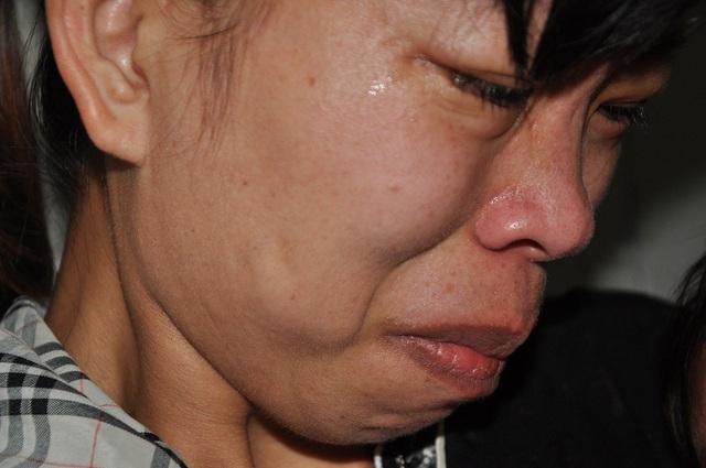 Cùng con đi viện ròng rã suốt 7 tháng qua khiến chị Thủy kiệt quệ.