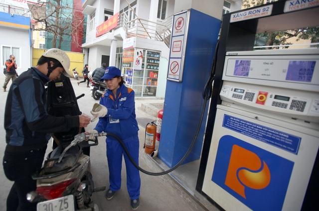 Bộ Tài chính vừa công bố mức thuế suất nhập khẩu bình quân gia quyền áp dụng trong công thức tính giá cơ sở đối với mặt hàng xăng dầu