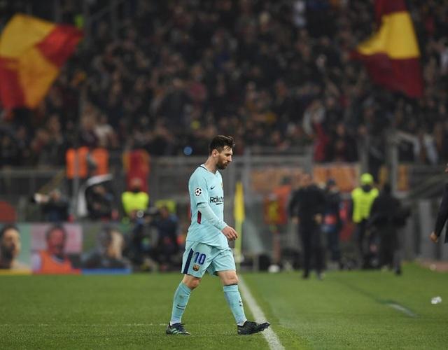 Messi thất thần khi chứng kiến Barcelona thua sốc trước AS Roma - 2