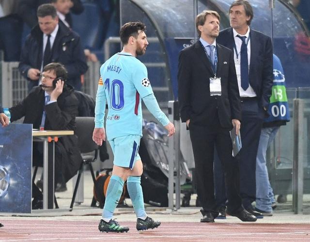 Messi thất thần khi chứng kiến Barcelona thua sốc trước AS Roma - 3