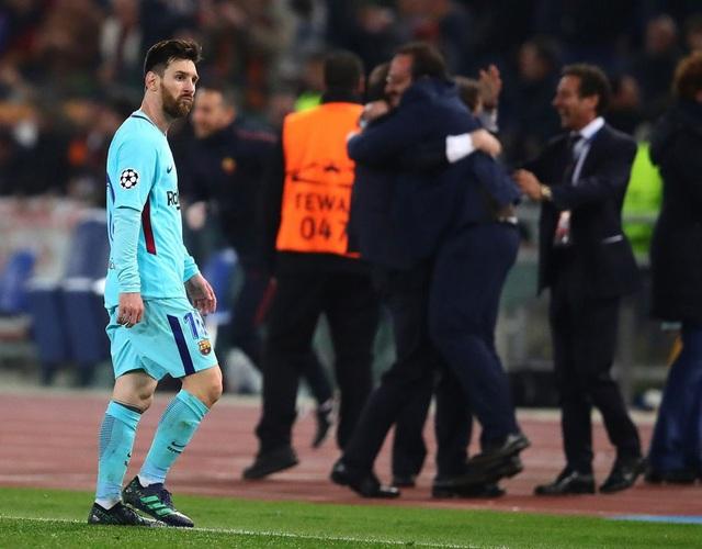 Messi thất thần khi chứng kiến Barcelona thua sốc trước AS Roma - 4