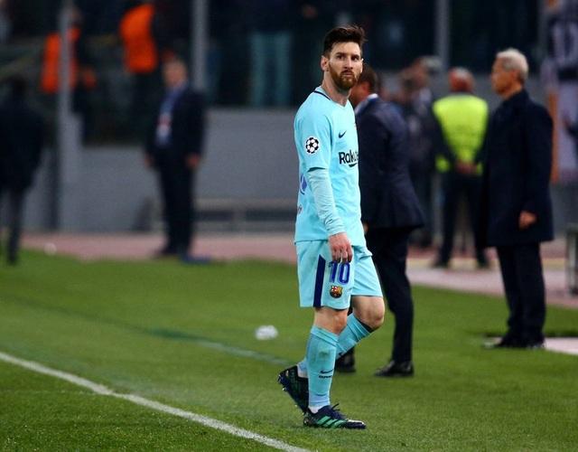 Messi thất thần khi chứng kiến Barcelona thua sốc trước AS Roma - 8