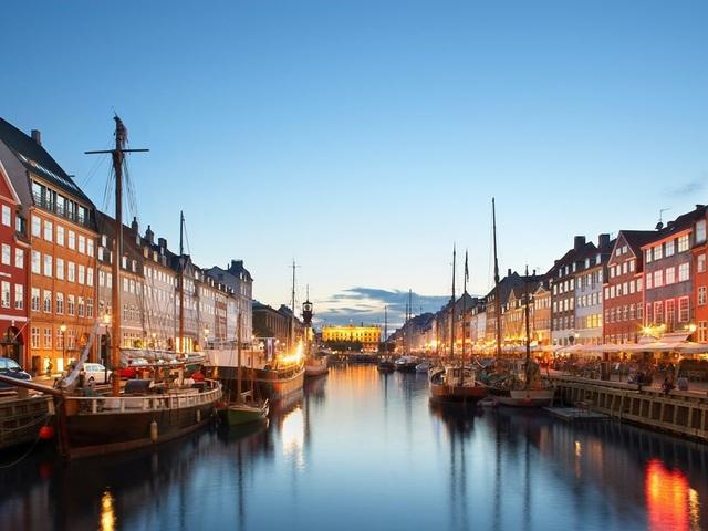 Các thành phố ven biển được yêu thích nhất thế giới - 4