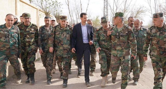 Tổng thống Syria Bashar al-Assad cùng quân đội nước này (Ảnh: Sputnik)