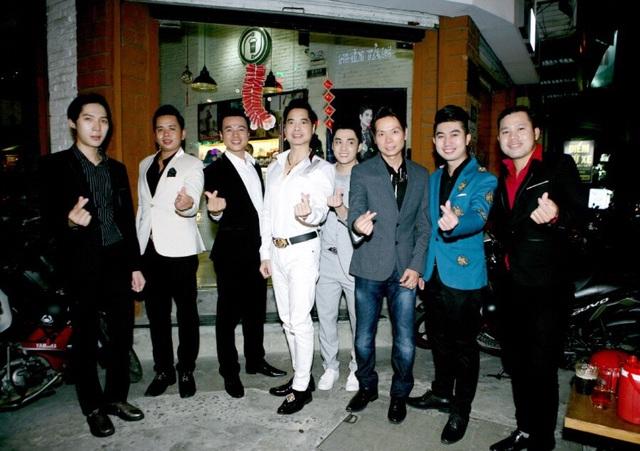 Ngọc Sơn đến chúc mừng học trò Lâm Ngọc Huỳnh và Sinti Quang Ngọc - 1