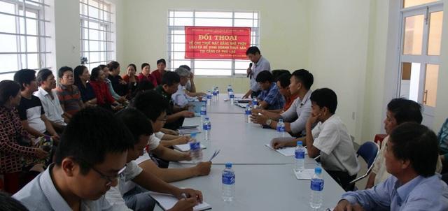 Buổi đối thoại về những bất cập trong việc cho thuê mặt bằng tại cảng cá Phú Lạc