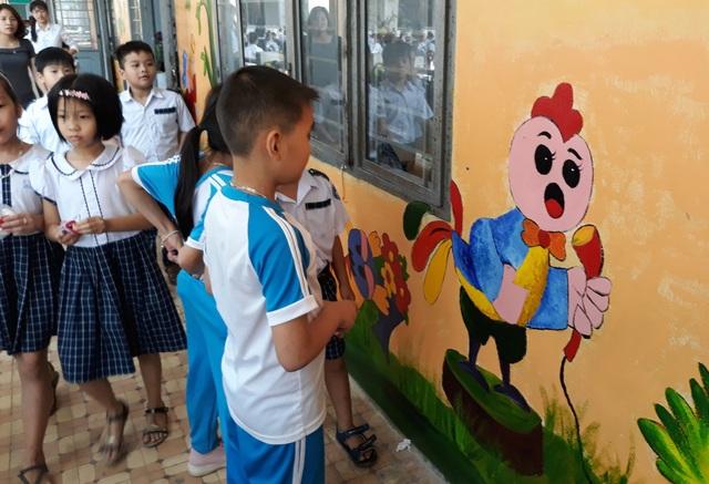 Những bức tranh tường tạo ra không gian học tập, sinh hoạt thoải mái hơn cho học sinh
