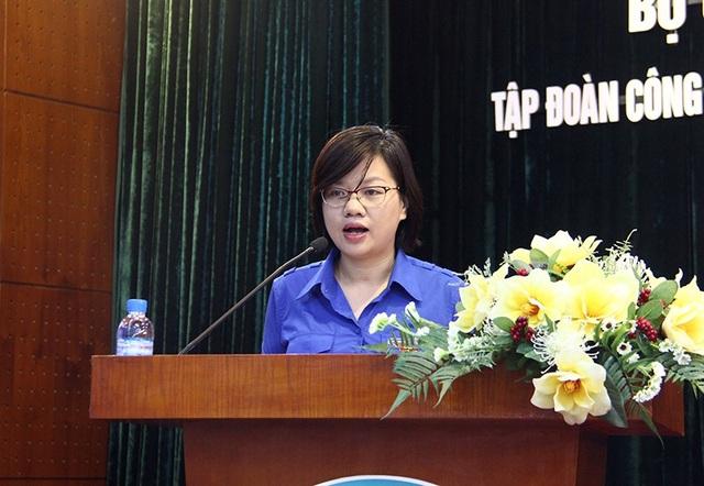 Chị Nguyễn Thị Thu Vân, Ủy viên Ban Thường vụ Trung ương Đoàn, Phó Chủ tịch Thường trực Trung ương Hội LHTN Việt Nam thông báo kết quả chương trình tập huấn