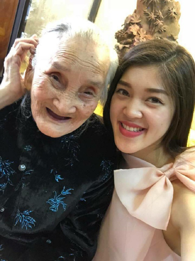 Khánh Hà và bà ngoại rất tình cảm với nhau