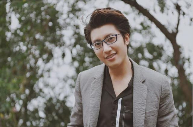 Theo Quang, là bác sỹ nam lại khám sản phụ khoa nên anh thường phải rèn lĩnh, tác phong chuyên nghiệp để bệnh nhân tin tưởng, yên tâm điều trị