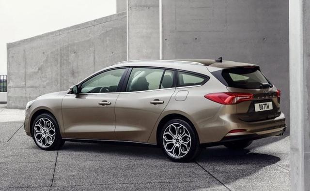 So sánh Ford Focus thế hệ cũ và mới - 3