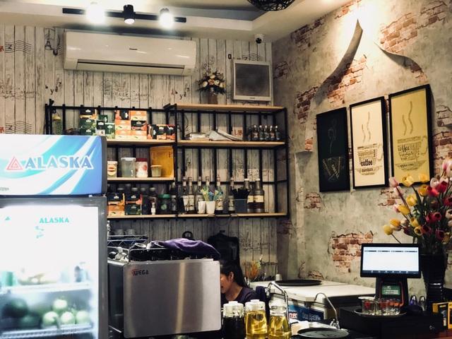 Các quán cà phê phải chạy điều hoà cả ngày sẽ tiết kiệm đáng kể tiền điện hơn