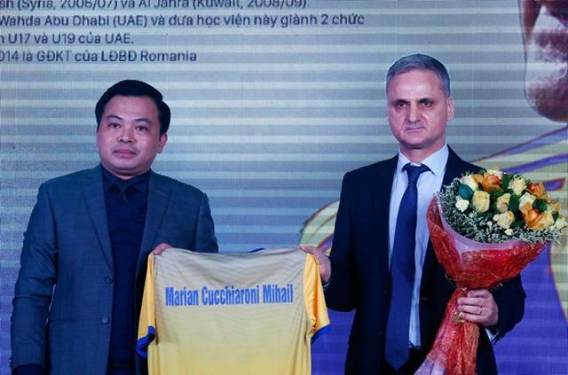 HLV Mihal chia tay CLB FLC Thanh Hóa sau 4 vòng đấu V-League