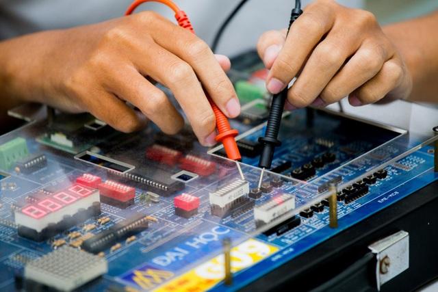 Thế giới kết nối của máy tính trở thành kết nối của vạn vật và vai trò của chuyên viên hệ thống mạng máy tính ngày càng trở quên quan trọng.