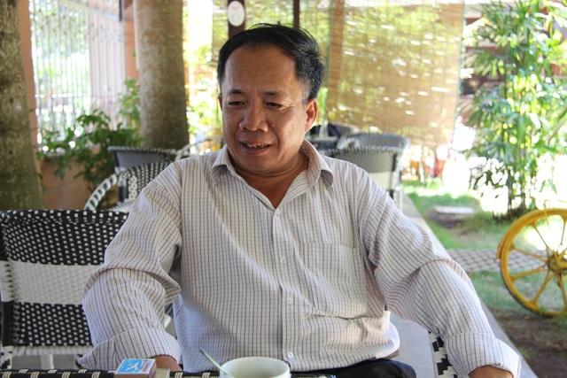 Ông Nguyễn Hữu Hà bị tạm đình chỉ công tác vì bị tố đánh học sinh phải nhập viện
