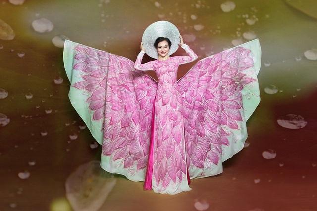 Nữ Hoàng Trần Huyền Nhung lộng lẫy với quốc phục sen hồng của NTK Tuấn Hải - 7