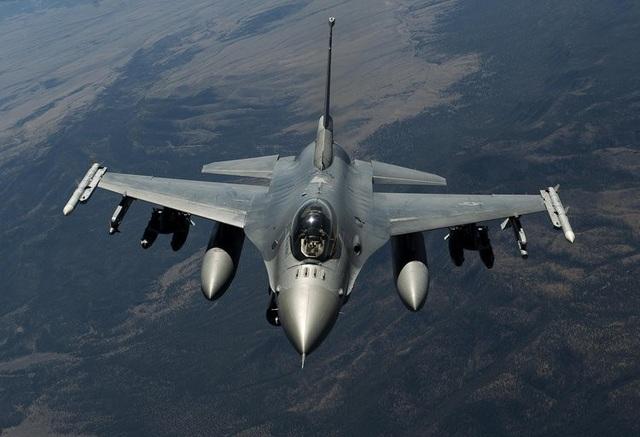 Máy bay F-16 Fighting Falcon của Mỹ (Ảnh: US Air Force)