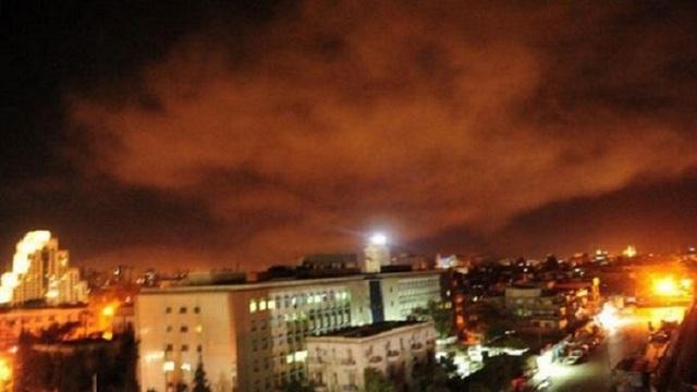 Các tên lửa của Mỹ và đồng minh nhằm vào 3 mục tiêu ở Syria. (Ảnh: RT)