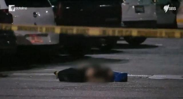 Xác một nạn nhân nằm ngay trên phố ở Cancun