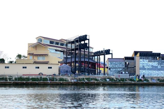 Công trình xây dựng không có giấy phép. Đến ngày 20/3, mới được Sở Xây dựng tỉnh Quảng Nam cấp phép chính thức