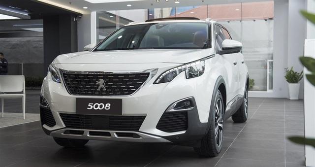 Tính đến thời điểm này đã có hơn 1.500 hợp đồng đặt mua bộ đôi SUV Peugeot 5008, 3008 thế hệ mới, trong đó có 900 xe đã được giao cho khách hàng.