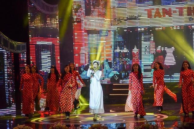 Đông Nhi diện áo dài biểu ca khúc chủ đề của phim Cô Ba Sài Gòn.