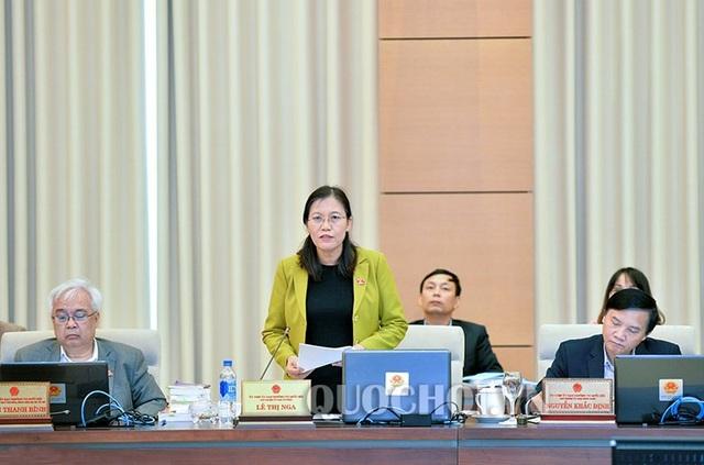 Chủ nhiệm UB Tư pháp Lê Thị Nga nhận xét chưa bao giờ hệ thống pháp luật thiếu ổn định như hiện tại