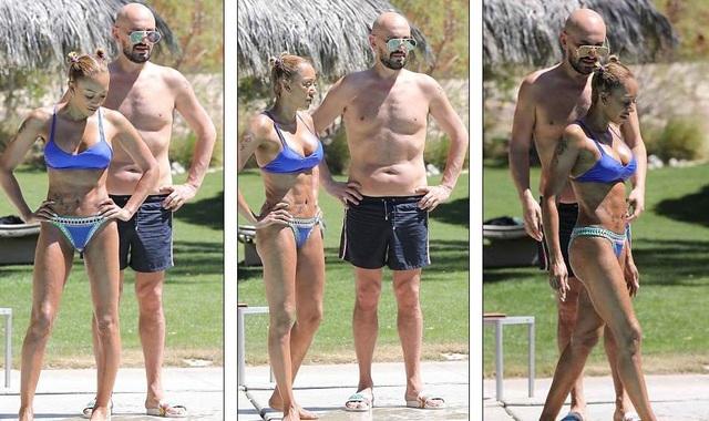 Mel B khoe thân hình cơ bắp sau 3 lần sinh nở - 3
