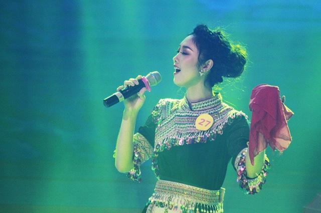 """""""Thiếu nữ Tây Bắc"""" Nguyễn Thị Huyền Trang với ca khúc Tiếng hát trên đỉnh Hoàng Liên"""