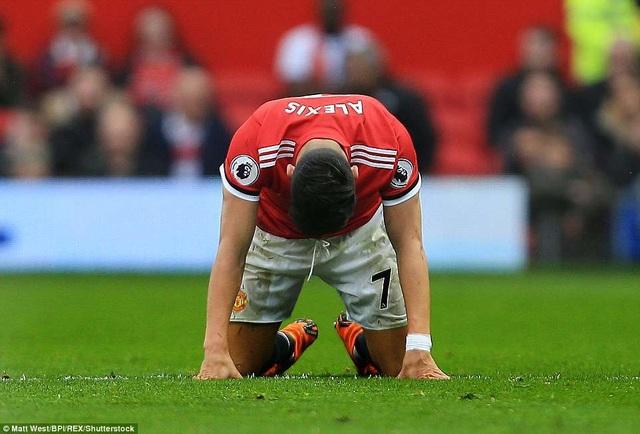 Sự bất lực trong việc ghi bàn của Sanchez tiêu biểu cho sự bế tắc của MU ở trận đấu này