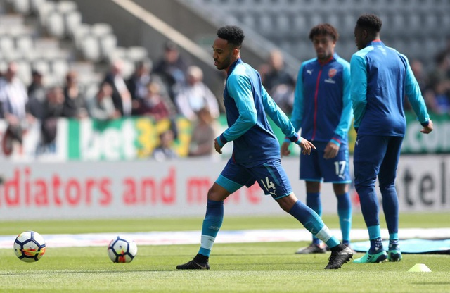 Aubameyang đang thăng hoa mạnh mẽ cùng Arsenal, tiền đạo người Gabon ghi năm bàn trong bốn trận đấu gần nhất ở Premier Leaugue