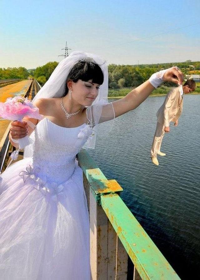 Dám cãi lời là sẵn sàng ném xuống sông làm mồi cho cá