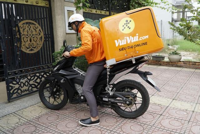 Vuivui.com - thành viên của Thế Giới Di Động, cam kết nếu giao trễ dù chỉ 1 phút, tặng ngay voucher 100.000 đồng.