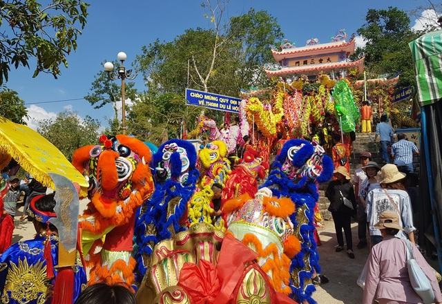 """Hàng nghìn người dự lễ hội """"Thiên Y Thánh Mẫu"""" ở Khánh Hòa - 3"""