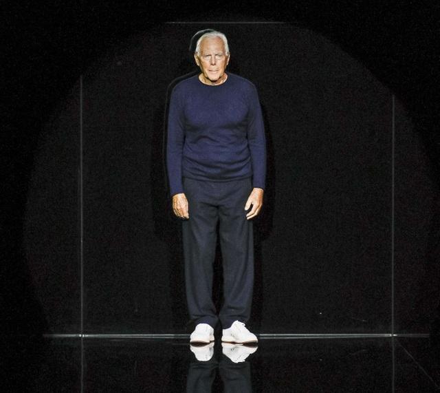 Nhà thiết kế thời trang người Ý Giorgio Armani